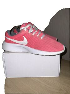 ladies nike trainers size 5 Pink/grey
