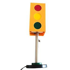 Vintage stoplight table lamp lucite string pull novelty modern pop art yellow
