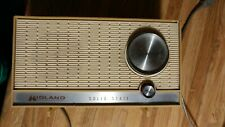 VINTAGE MIDLAND INTERNATIONAL SOLID STATE AM DESK RADIO MODEL 11-303