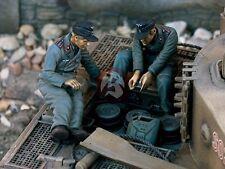 Verlinden 1/35 German Tiger Tank Engine Repair Crew WWII (2 Figures) 1069