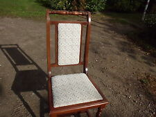 4 schöne massive  Stühle