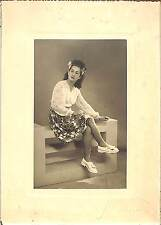 PHOTO BELLE JEUNE FEMME ANNEES 1960 ?
