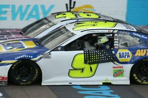 NASCAR SUPERSTAR JIMMIE JOHNSON LAST RIDE AT PHOENIX  8X10 PHOTO W/BORDERS