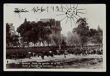 3272-VALENCIA -Feria de ganado en el rio Turia y Torres de Serranos. (Foto)