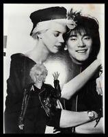 Lot of (7) 1980s CARRIE HAMILTON, CAROL BURNETT & SAM ELLIOTT Original Photos