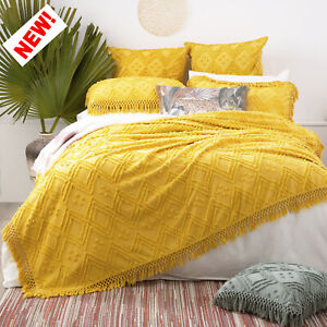 Medallion Vintage Cotton Tuffted Park Avenue Bed Cover set Misted Yellow