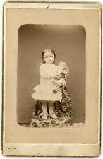 PHOTO Cabinet  une fillette avec sa poupée / Little girl with doll Thizy Raymond