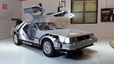 1:24 Scale Delorean DMC Back to the Future 1 Detailed Welly Diecast Model Car