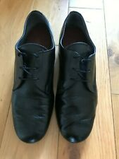 International Dance shoes in leather size 9