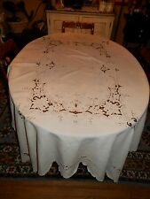 LOVELY Vtg White Cutwork Beige Embroidery Leaf Design Tablecloth 87X72