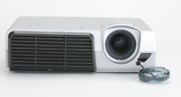HP VP6121 Beamer 2,000:1 2000 Lumens DLP Video Projector w/Lamp *OHNE REMOTE*