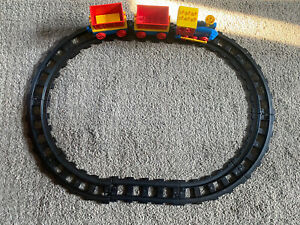 Vintage Lego Duplo 10 Piece Train Track Engine And 2 Carriages 1 Figure
