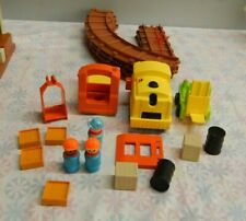 Vintage 1978 Fisher Price Little People #943 LIFT and LOAD RAILROAD (BOX-1)