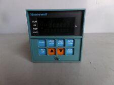 HONEYWELL TEMPERATURE CONTROLLER DC3001-0-200-1-00-0111 LOT# 930M James