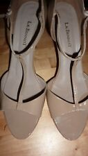 LK BENNETT UK 7 40 TAUPE Patent Beige Heels T Bar Sandal Courts Shoes FAB RARE!!