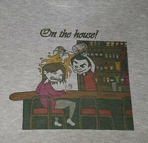 New VinDicktive Mens Beer Dumped Bar ON THE HOUSE Grey Short Sleeve T Shirt XL