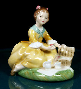 Royal Doulton Figurine - Picnic - HN2308 - 1st Quality - New Condition