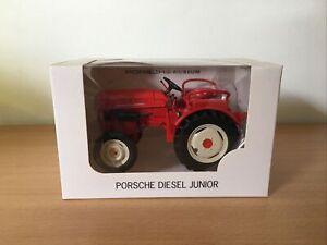 Tracteur PORSCHE Diesel Junior Welly 1/32 PORSCHE Muséum