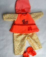 Handgefertigte Babypuppen-Kleider