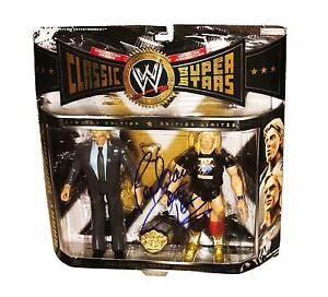 WWE CLASSIC SUPERSTARS RIC FLAIR HAND SIGNED AUTOGRAPHED 2 PACK WITH PROOF