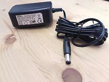 Netzteil DVE DSA-12PFA-05 FEU 050200, Switching Adapter, 5V 2A, 6mm/2mmx10mm