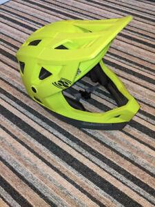 IXS Trigger full faceMTB helmet