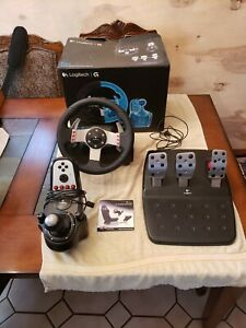 logitech g27 racing wheel, With 6 Speed Manaul Shifter and 3 Pedal Layout