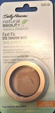 Sally Hansen Natural Beauty By Carmindy Fast Fix Eye Shadow Base.