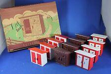 Plasticville - O-O27 - #SA-9 - Original vintage Outhouse Master Box - Excellent