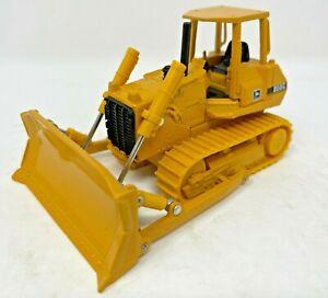 ERTL John Deere Model 850c crawler dozer