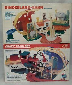 2x Vintage Kinder Eisenbahn Spielset: Rollin' Crazy Train Set + Kinderland-Bahn