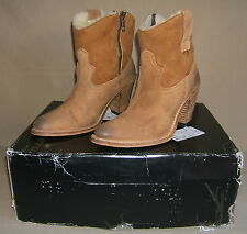 **PRE-OWNED** Koolaburra Women's Size 6M Maria Western Ankle Boot, Chestnut