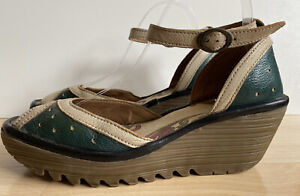 FLY LONDON WOMENS SANDALS UK SIZE 7 EU 40 GREEN & WHITE WEDGE, GOOD CONDITION