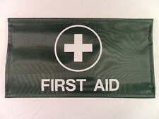 premiers secours réglable Brassard en vert fond