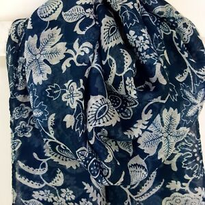 Beautiful Exotic Flower Pattern Design Scarf with Rolled Edge