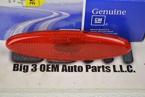 1997-2004 Chevrolet Corvette Rear Side Marker Lamp Red Lamp new OEM 16524722