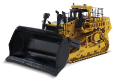 Diecast Masters D11 CD Carrydozer with Operator
