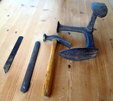 altes Schuster-Werkzeug Schuhmacher-Amboss Hammer Raspel u.Messer