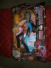 MONSTER HIGH FACTORY FREAKY FUSION NEIGHTHAN ROT HYBRID OFA ZOMBIE AND A UNICORN