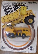 Mini Macks 1976 Zee Toys Crane Truck 021117DBA