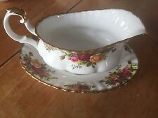 """ROYAL ALBERT 1962 """"OLD COUNTRY ROSES"""" GRAVY BOAT & UNDER PLATE/ ENGLAND"""