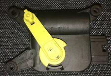 Control motor for temperature regulating flap 8E2820511 yellow - Audi A4 B6 B7