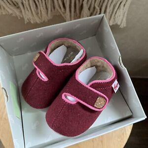 See Kai Run Baby Girls Crib Shoes Cruz Berry Faux Shearling Lined 6-12 Months