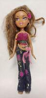 2001 BRATZ Doll Girl Figure MGA Entertainment Clothes Shoes Brown Eyes + Hair -