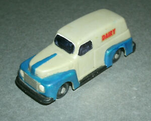 1/87 HO Scale 1948 Ford F-1 Panel Van Dairy Delivery Truck Plastic Toy - Varney