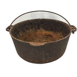 """Rusted Antique Cast Iron 12"""" Dutch Oven Primitive Home Décor Planter Pot"""