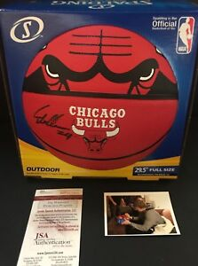 Lauri Markkanen Chicago Bulls Autographed Signed Basketball JSA WITNESS COA