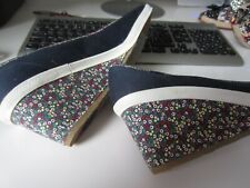 Keds   floral wedge  navy  fabric  summer  shoes    size  9.5  M