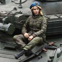 1/16 Resin Kits Russian female infantry Model Unpainted Unassembled