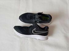 Nike Turnschuhe Jungen Gr. 33,5